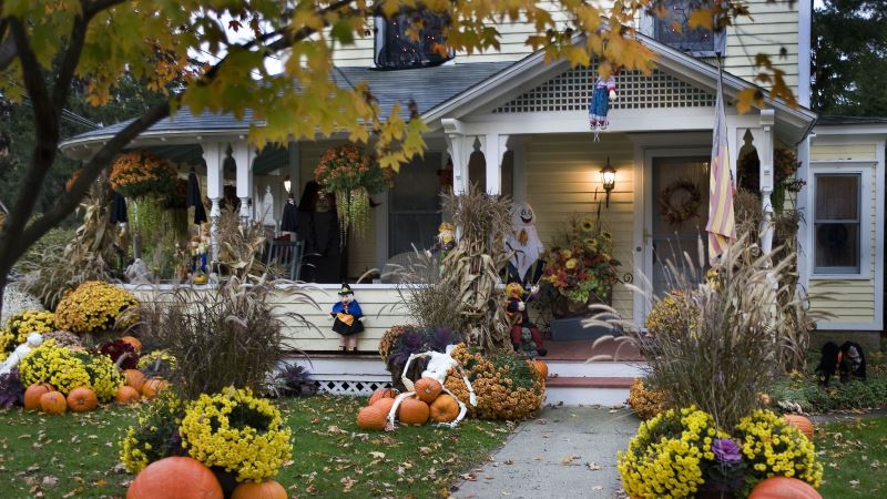 Horrible Halloween Front Door Decoration Ideas